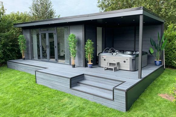 Hot Tub Garden Studio Northampton